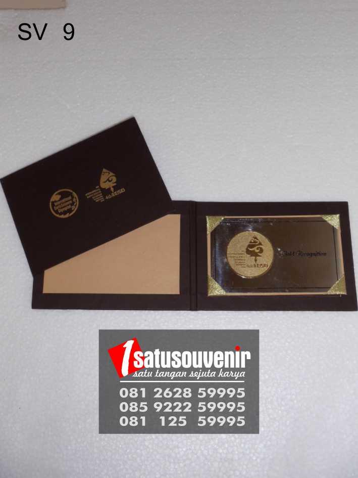 souvenir perusahaan simple dan elegan
