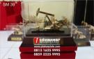 Souvenir Miniatur Pompa Angguk Pertamina