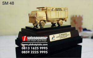 Souvenir Miniatur Truk Gas Pertamina