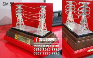Souvenir Miniatur Tower Sutet PLN Eksklusif