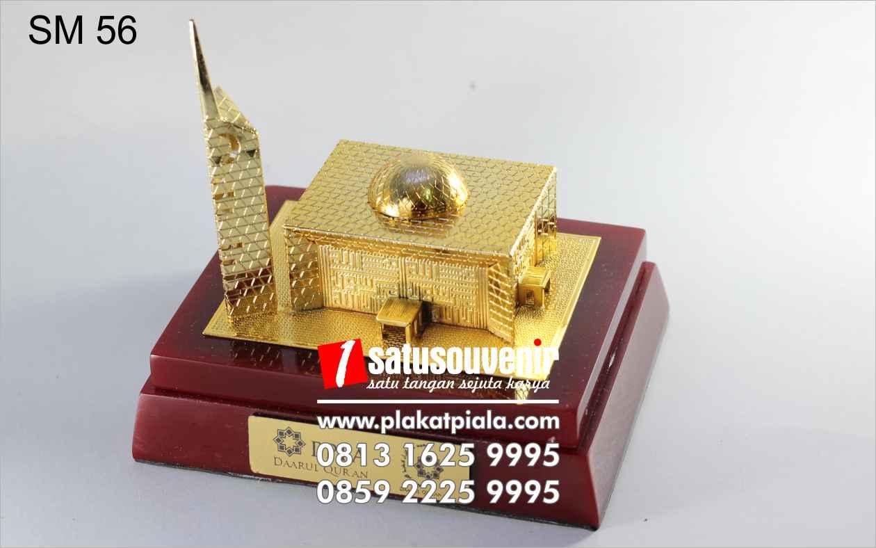 souvenir miniatur masjid daarul qur'an elegan
