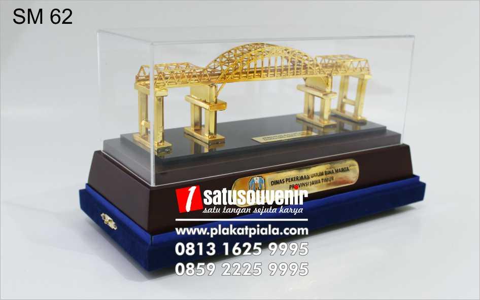 souvenir miniatur jembatan kali mujur bina marga