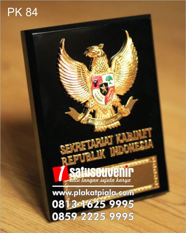 Plakat Kayu Eksklusif Sekretariat Kabinet Republik Indonesia