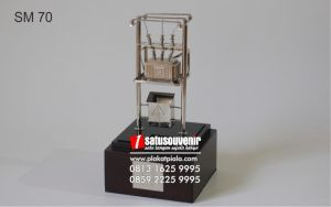 Souvenir Miniatur Pertamina Eksklusif dan Elegan