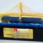 Souvenir Miniatur Jembatan Ogan Ilir Sumatera Selatan