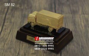 Souvenir Miniatur Truk Box Gledex Eksklusif dan Detail