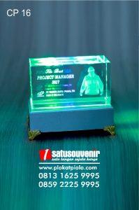 Plakat Kristal 3D Project Manager PT Waskita Karya