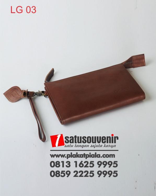 dompet kulit coklat
